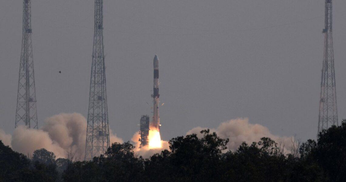 Brezilya'nın ilk yer gözlem uydusu Amazonia-1 uzaya fırlatıldı