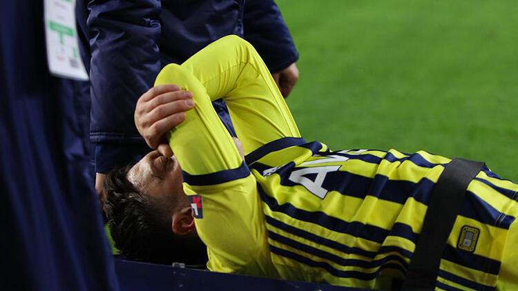 Son Dakika: Mesut Özil'den sakatlık açıklaması!